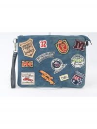 Denim clutch met verschillende patches